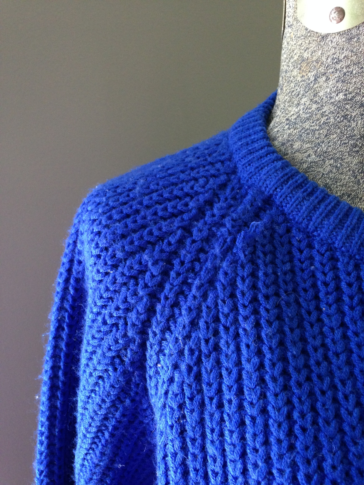 vintage royal blue shaker knit sweater $22 - tops - bright lights ...