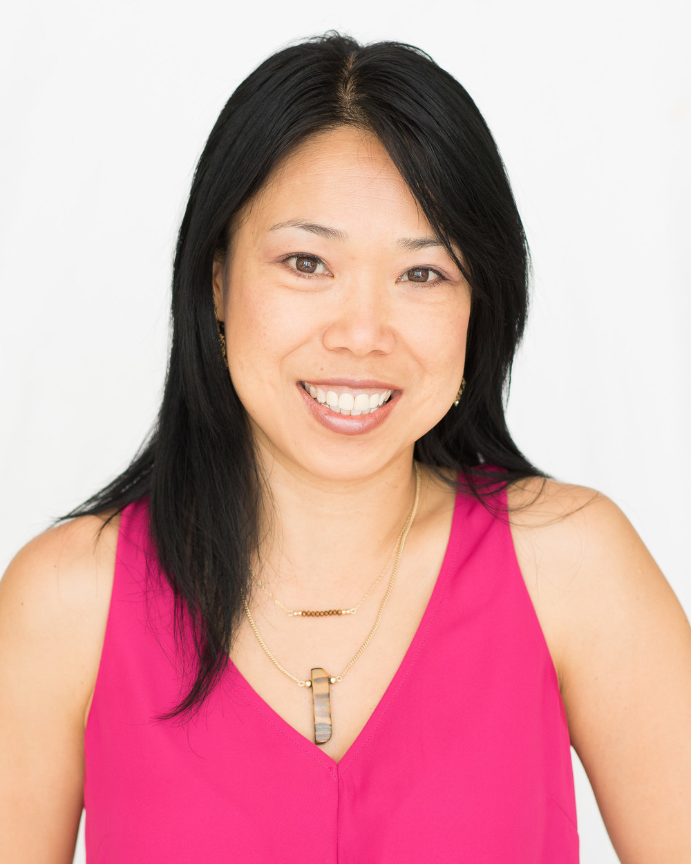 Sinyee Chen <i>Program Manager</i>