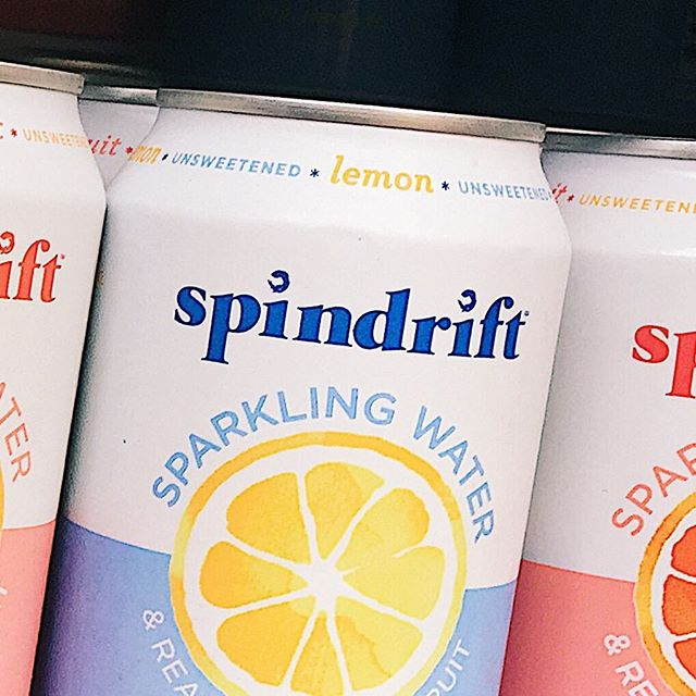 Refresh yourself with #spindrift ! Variety of flavors available here in  #MatzahBrei @ #broadwaybites !!!!🍋✨🌮 . . . . #foodie  #yumm #streetfood #vegetarian #vegan #foodporn #jasmine #xavier #monica  #summer #freshingredients #instafood #lunch #foodfestival #eeeeeats #timeoutnyc #foodtripny #seltzer #lemon #refreshing