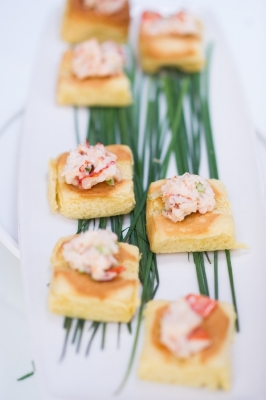 Difference between hors doeuvres and appetizers and the growing difference between hors doeuvres and appetizers and the growing trend for heavy hors doeuvres dee weddings stopboris Choice Image