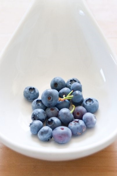 Fresh blueberries are great on their own, in cereal, salad, or a smoothie. Photo by Ashley Bennett Belka of Bennett Belka Photography