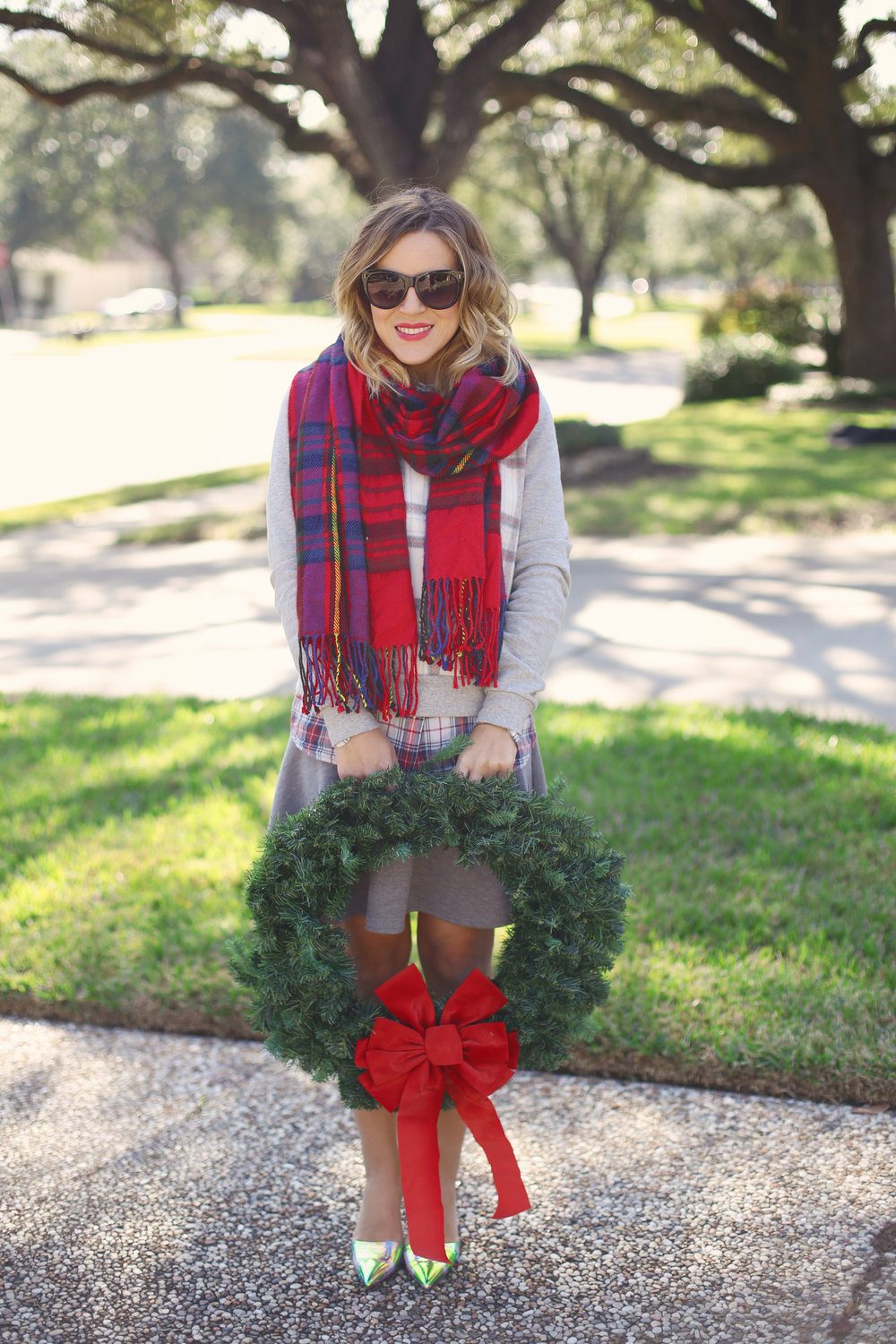 red plaid scarf 1.jpg