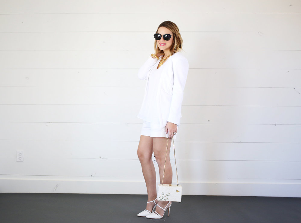 All white outfit:white blazer for Spring and Summer. 1.jpg