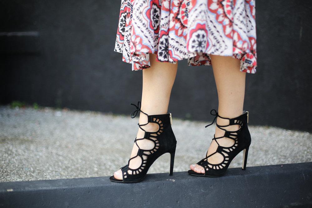 Yumi Kim boho dress with black strappy sandals and black hat 9.jpg