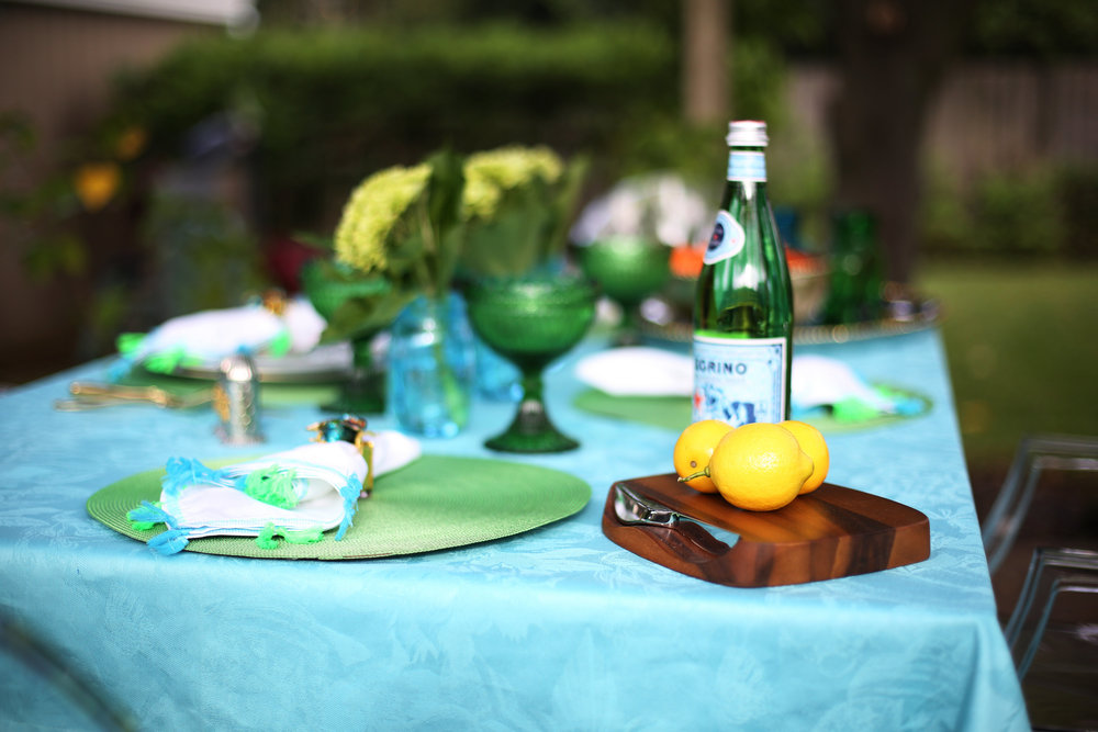 Summer Table setting with blue and green accessories. 1.jpg