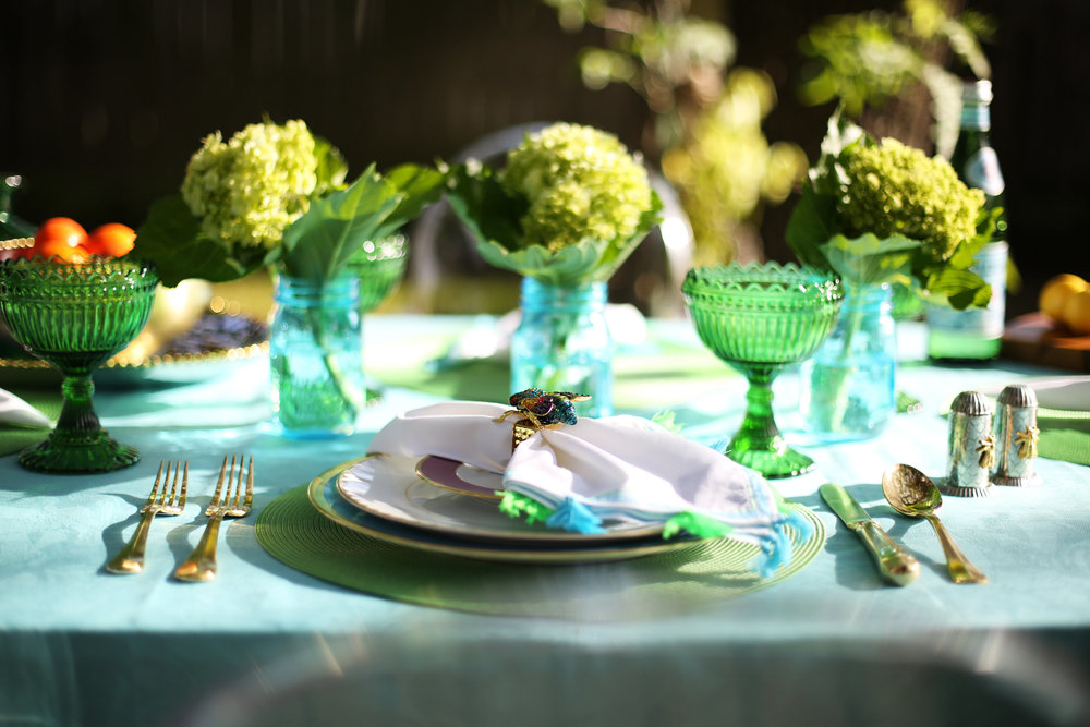 Summer Table setting with blue and green accessories. 7.jpg