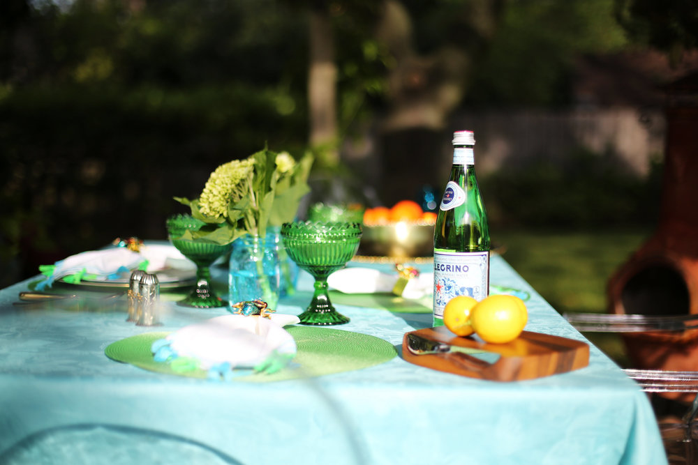 Summer Table setting with blue and green accessories. 13.jpg