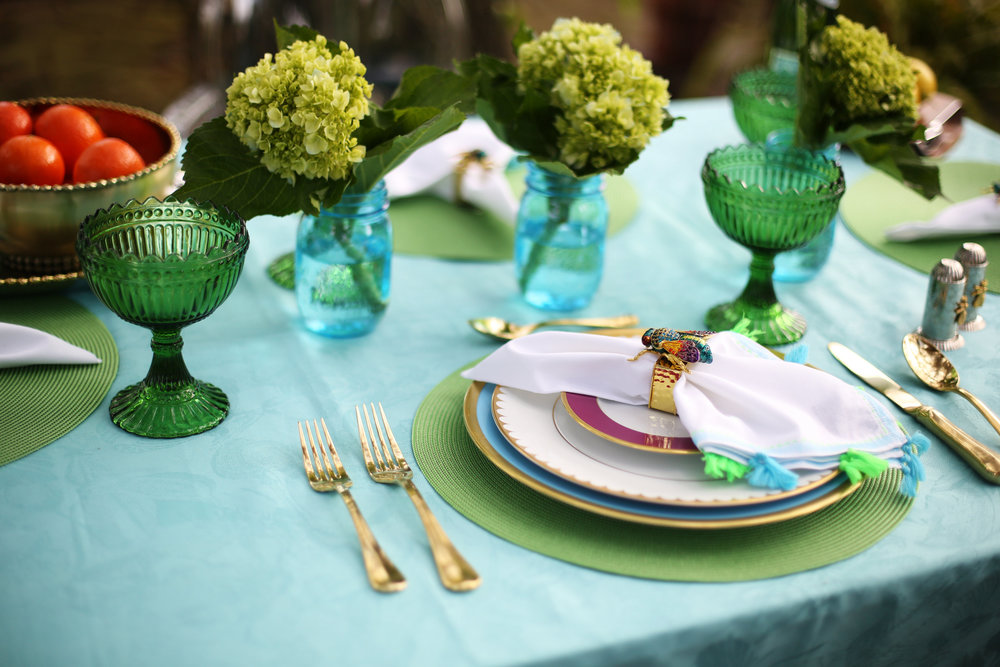 Summer Table setting with blue and green accessories. 11.jpg