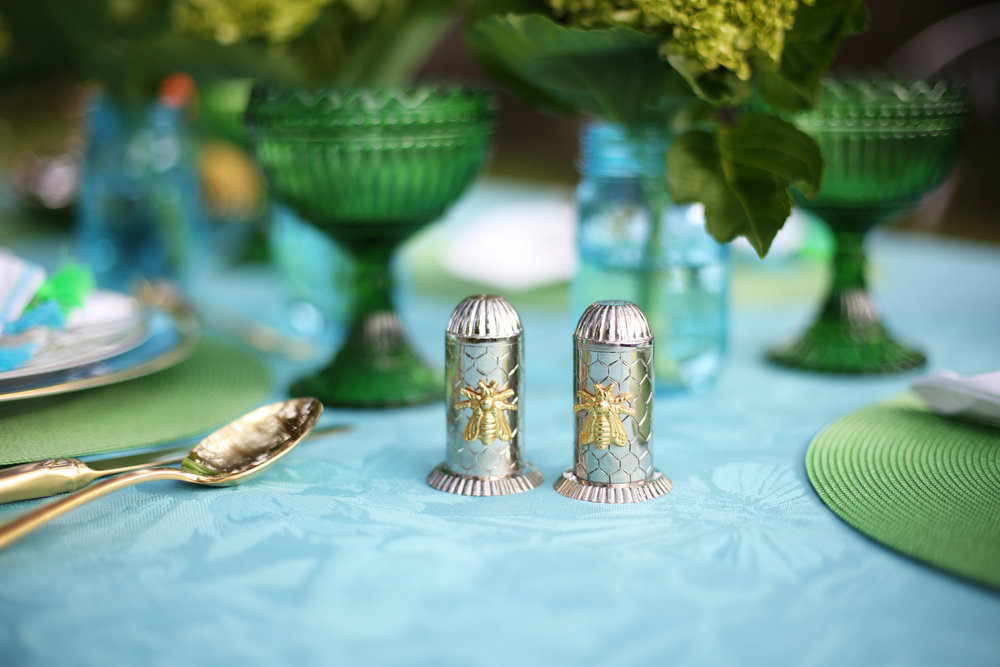 Summer Table setting with blue and green accessories. 2.jpg