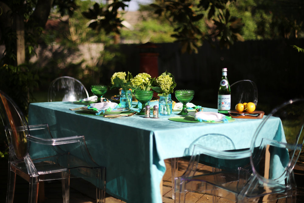 Summer Table setting with blue and green accessories. 4.jpg