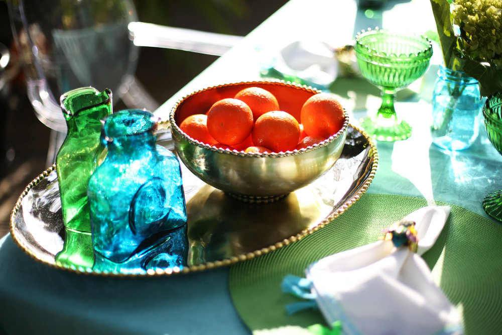Summer Table setting with blue and green accessories. 12.jpg