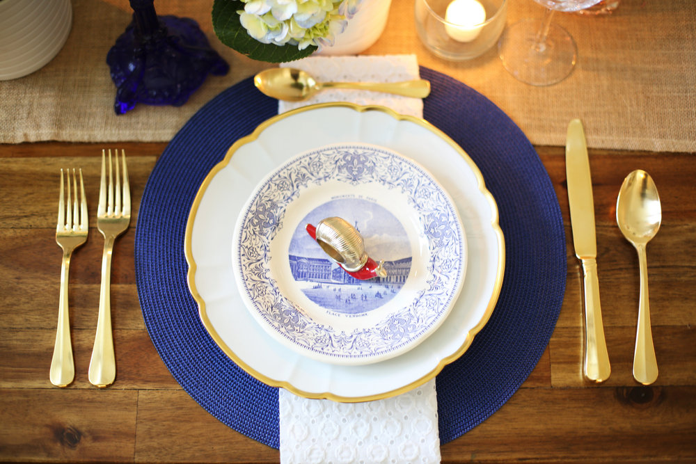 Memorial Day Tablesetting, summer tablesetting, blue and white china -5.jpg