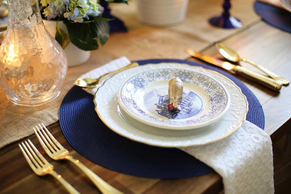 Memorial Day Tablesetting, summer tablesetting, blue and white china -7.jpg