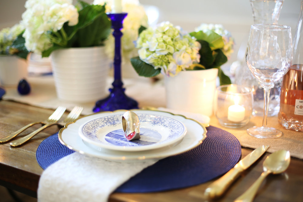 Memorial Day Tablesetting, summer tablesetting, blue and white china -2.jpg