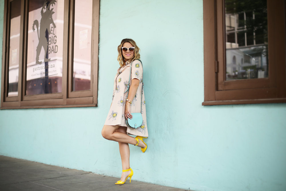 Flower swing dress with yellow shoes and turquoise handbag- tuquoise wall -11.jpg