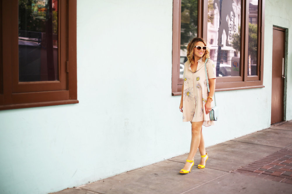 Flower swing dress with yellow shoes and turquoise handbag- tuquoise wall -8.jpg