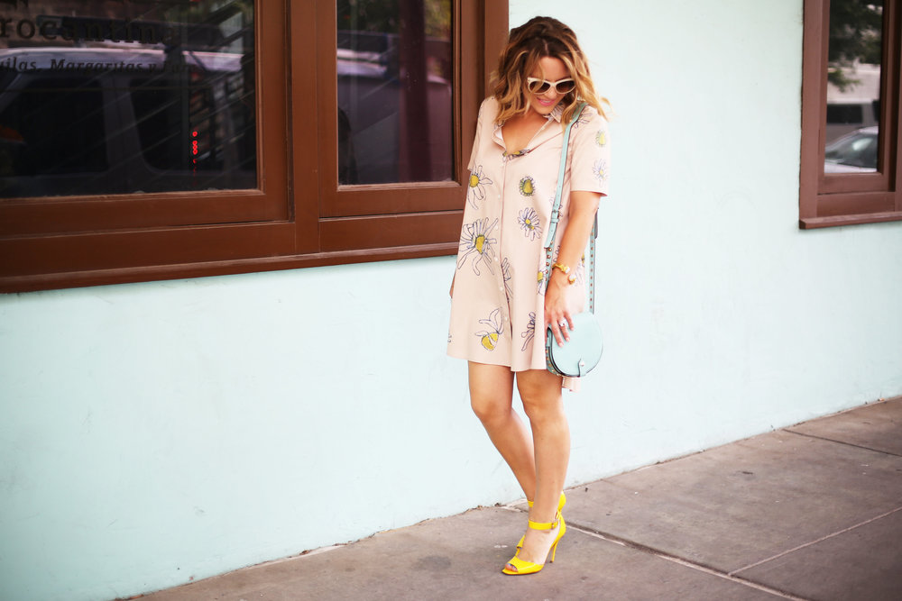 Flower swing dress with yellow shoes and turquoise handbag- tuquoise wall -6.jpg