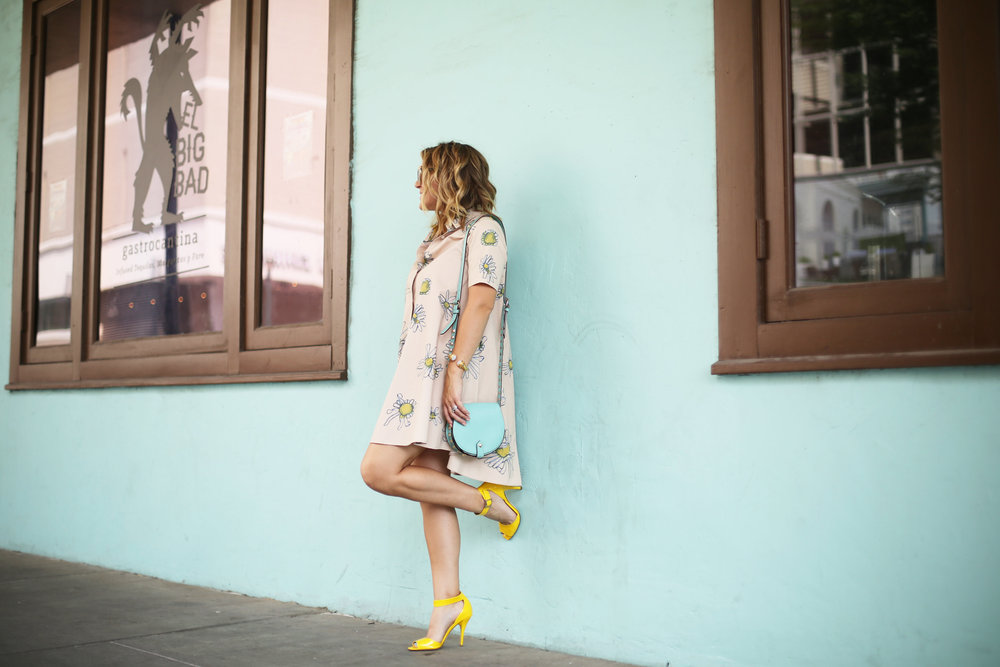 Flower swing dress with yellow shoes and turquoise handbag- tuquoise wall -10.jpg