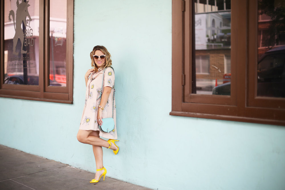 Flower swing dress with yellow shoes and turquoise handbag- tuquoise wall -12.jpg