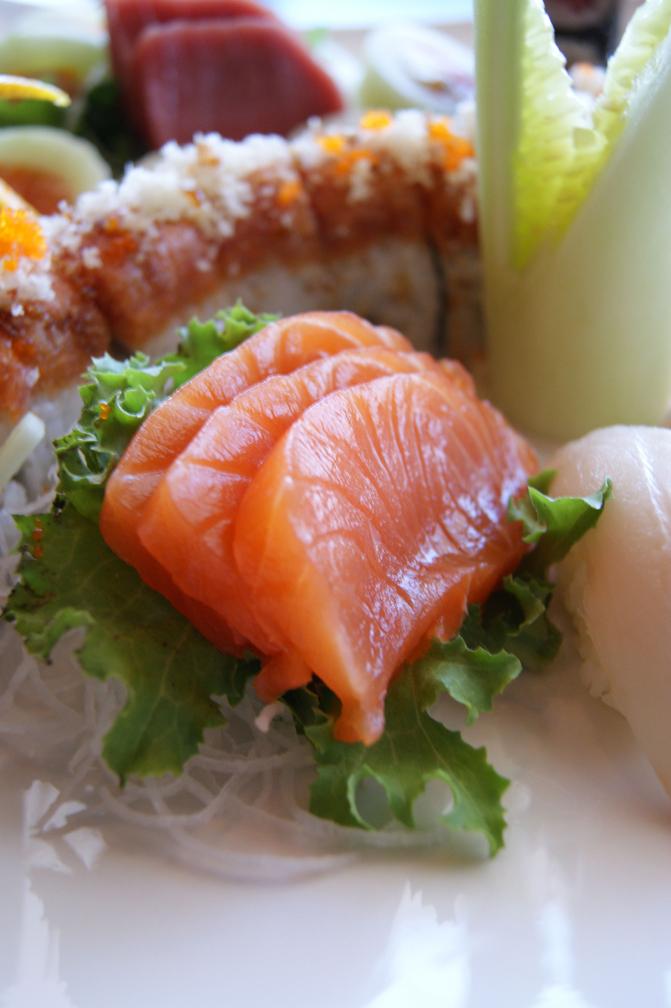 SmSalmon Sashimi01.jpg