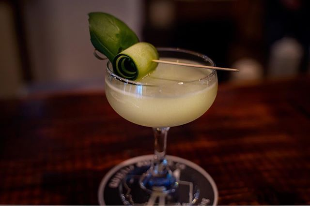 If you stare at this long enough you almost forget it's winter outside. Now, come do it in person! (Ask for the Cucumber Basil Gimlet with our Cucumber Gin) . . . 📷 @sky.vault 🍹 @gabriel_m_spencer