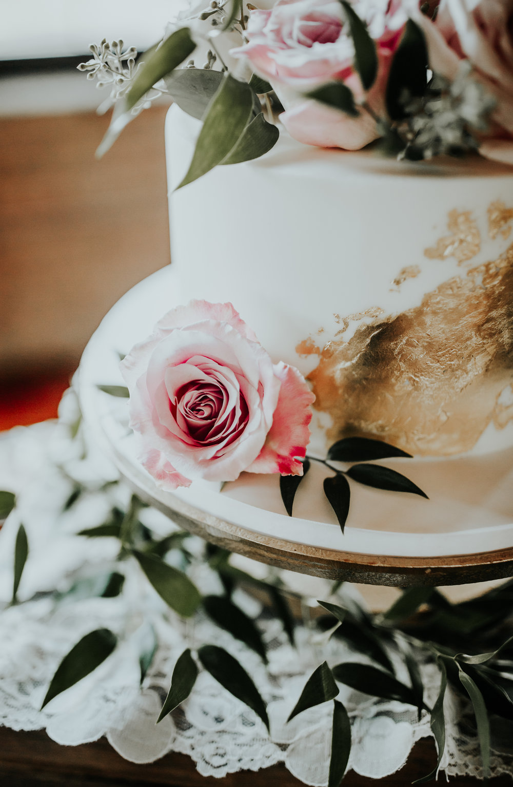 The most perfect rose to adorn the cake.