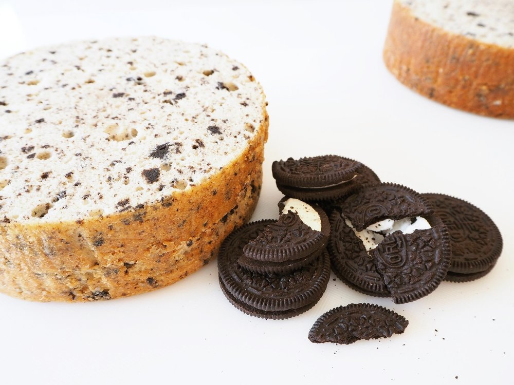 Baking Oreo/cookies and cream wedding cake | Enticing Icing, Minneapolis/St. Paul, MN