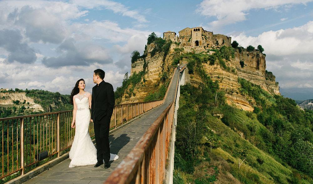 Chris_Hui_婚禮_婚紗照_pre_wedding_photography_best_015_天空之城_Civita di_Bagnoregio_白露里治奥.jpg