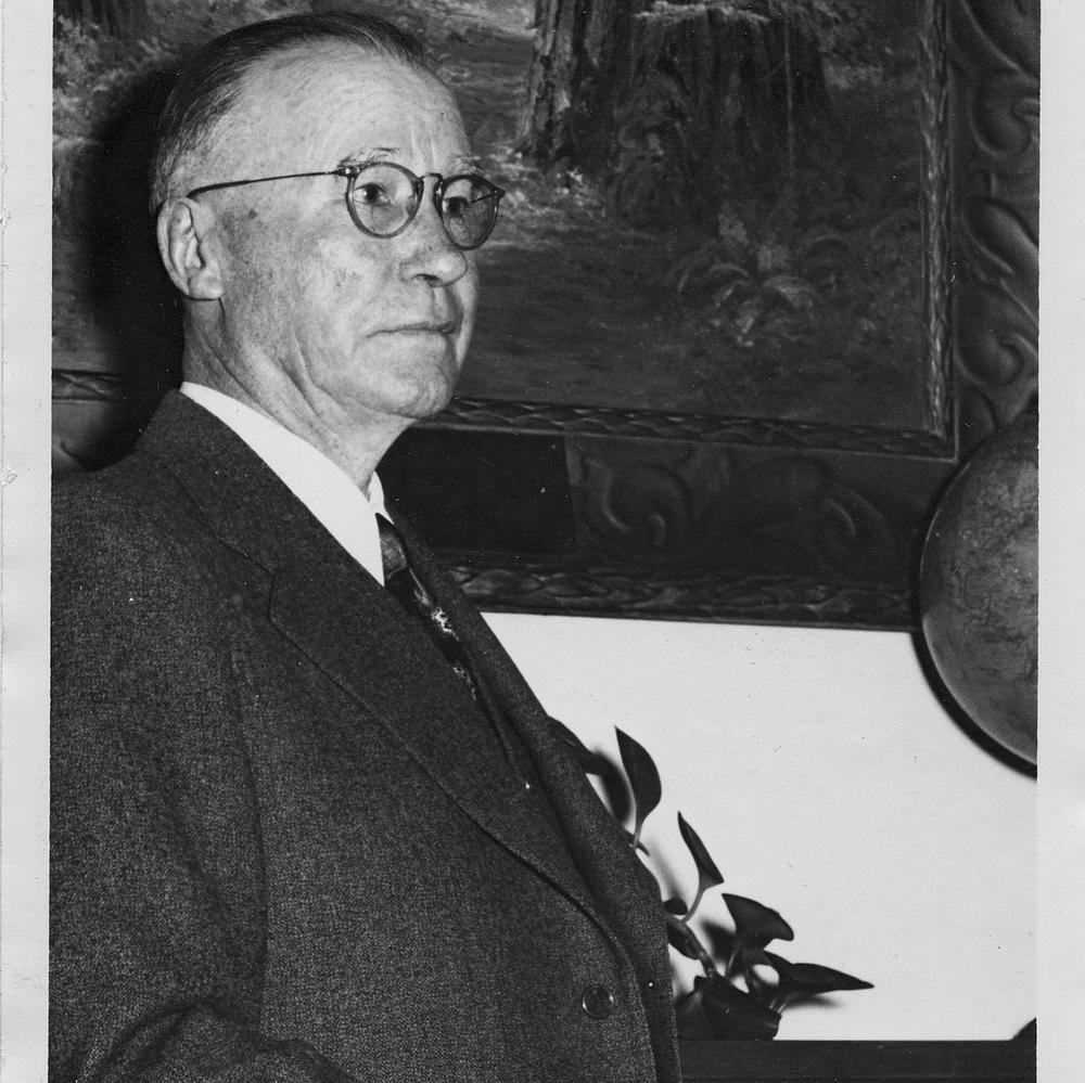 Howard McCaughey 1954 jpeg.jpg