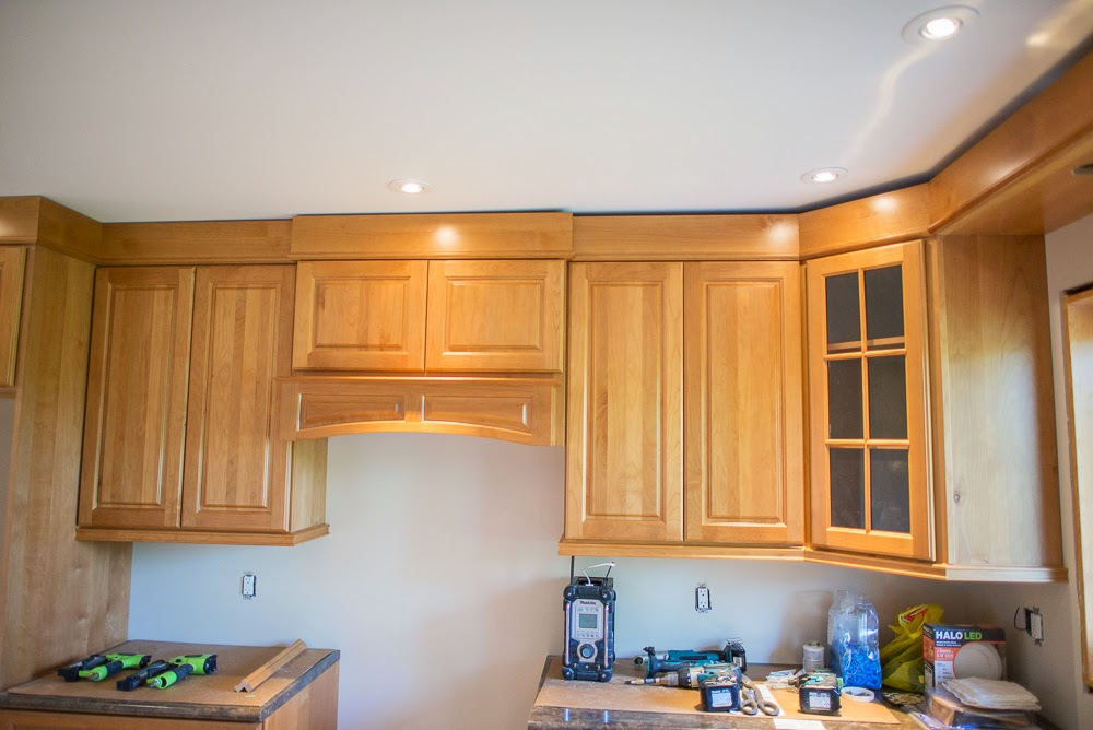 jcb and sons carpentry kitchen renovation building renovator carpenter thomasville the home depot home hardware rona finishing trim best amazing awesome beautiful grey bruce orangeville owen sound hanover durham erin ontario crown mold light valence wood