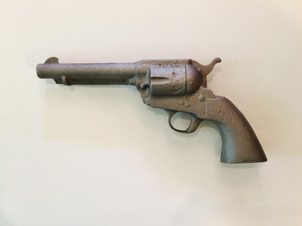 metal gun.jpg