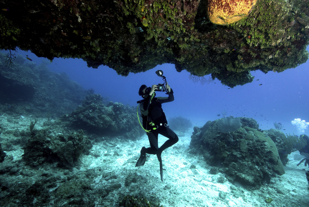 diver with camera.jpg