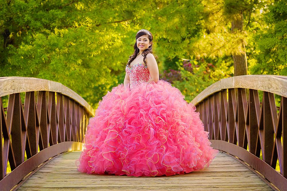 Xiomara, Sesion de Quinceanera por Lunabela Photography. Houston, Texas