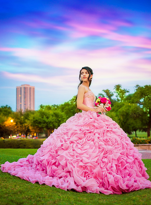 3bd48372e54 Houston Quinceañera Photographer - Photo and Video Services — Houston Quinceañera  Photographer - Fotografo de Quinceañeras en Houston