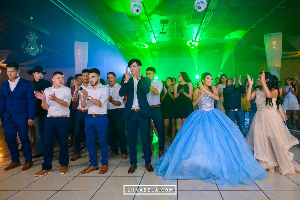 houston-quinceanera-photographer-lunabela-photography-nayeli8.jpg