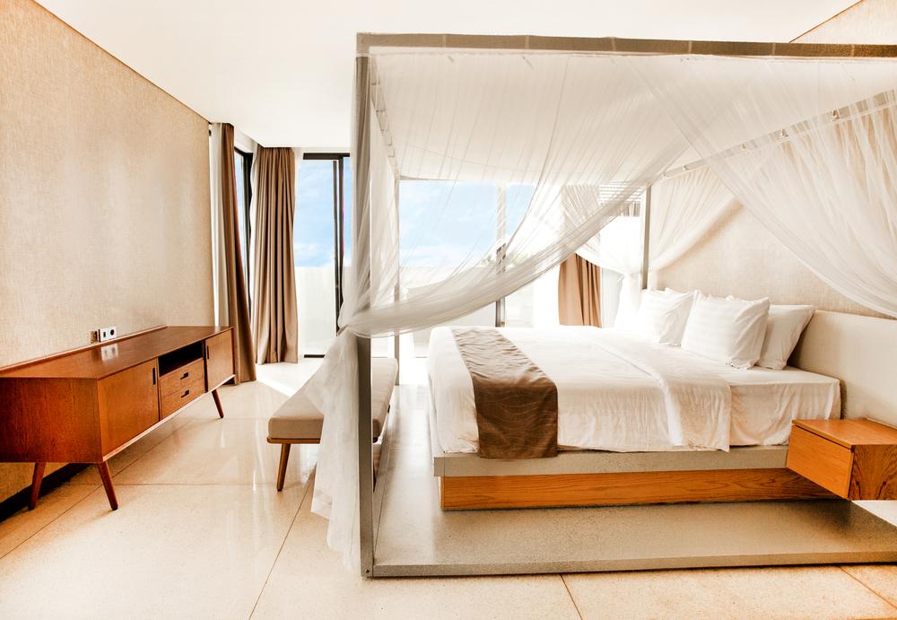 1master bed.jpg