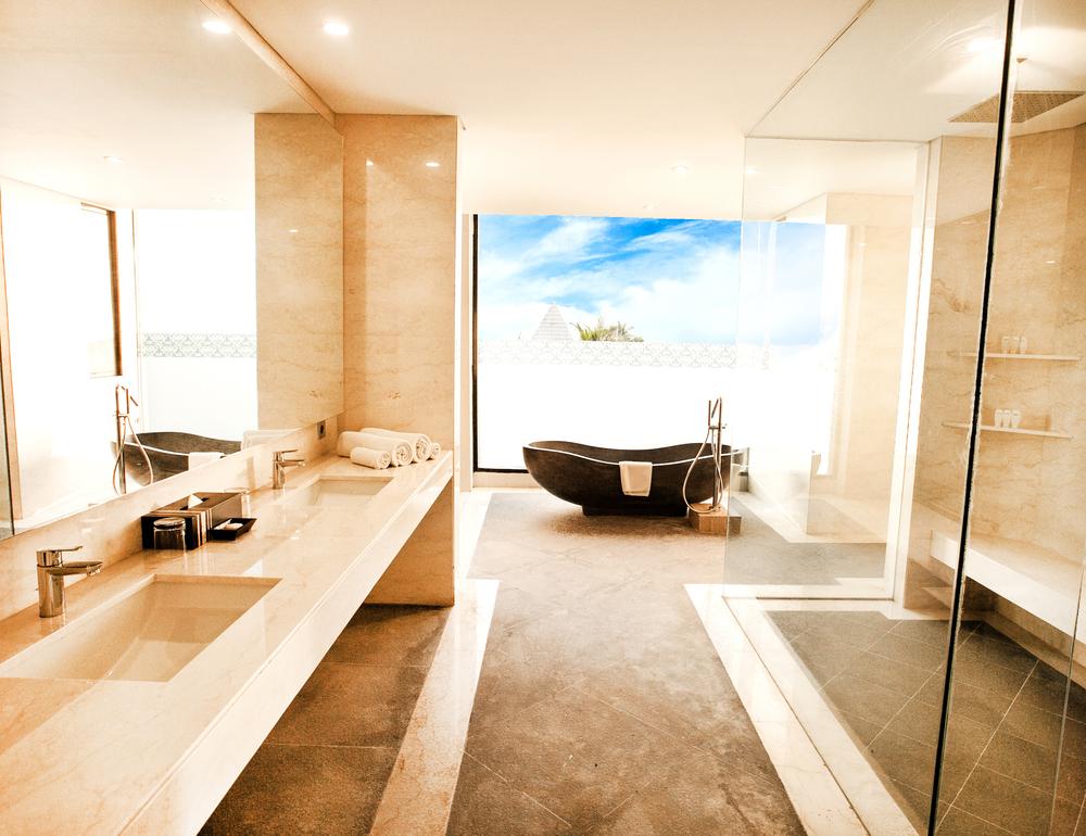 6 master bath.jpg