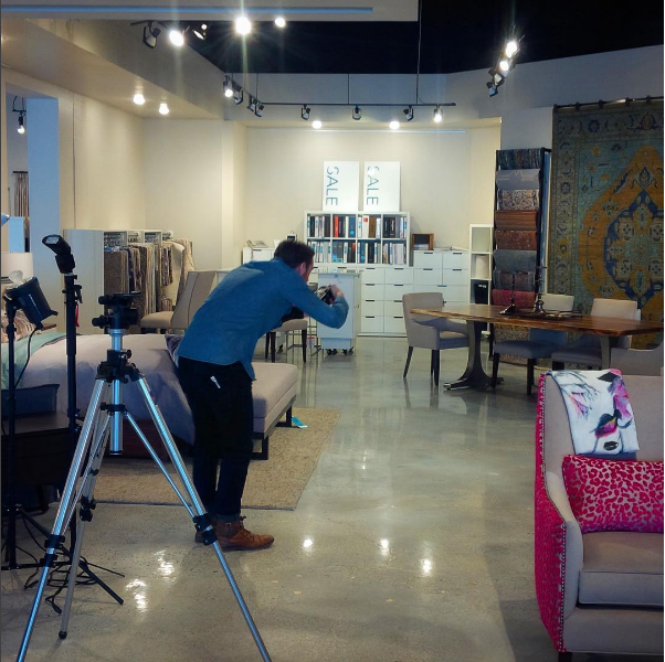 Setting up a shot on location at the Maria Tomás store. Image by  @maria_tomas_iol