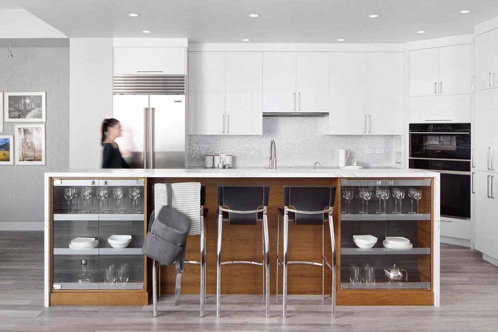 Eau Claire condo kitchen