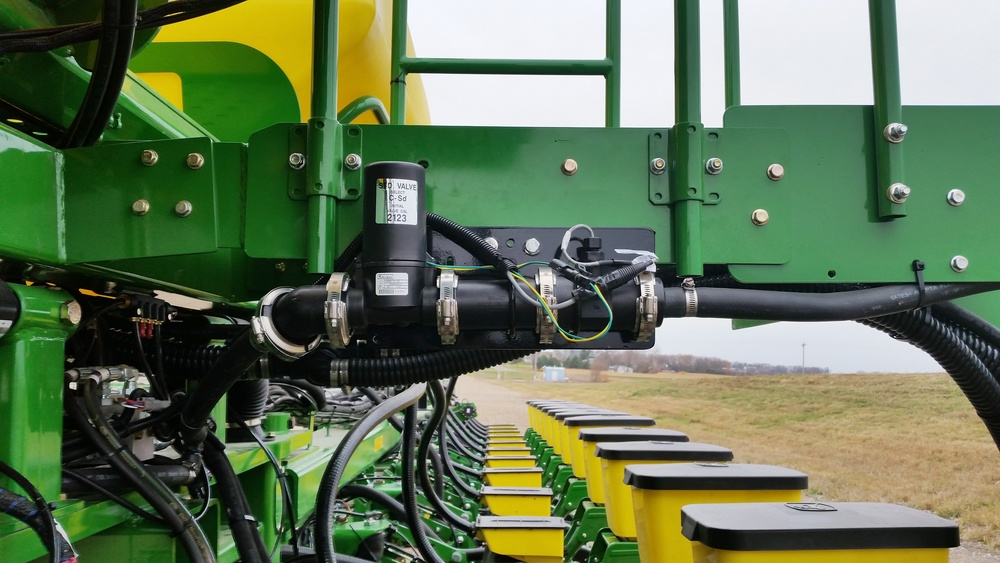 Planter Fertilizer Raven Flow Controls.jpg