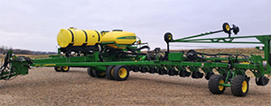 2012 to 2016 DB 44-60-66-80 Section Control Fertilizer
