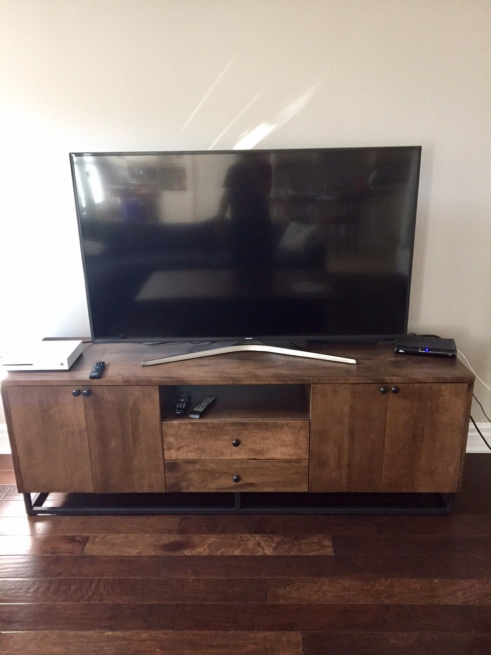 Stained Maple Media Unit