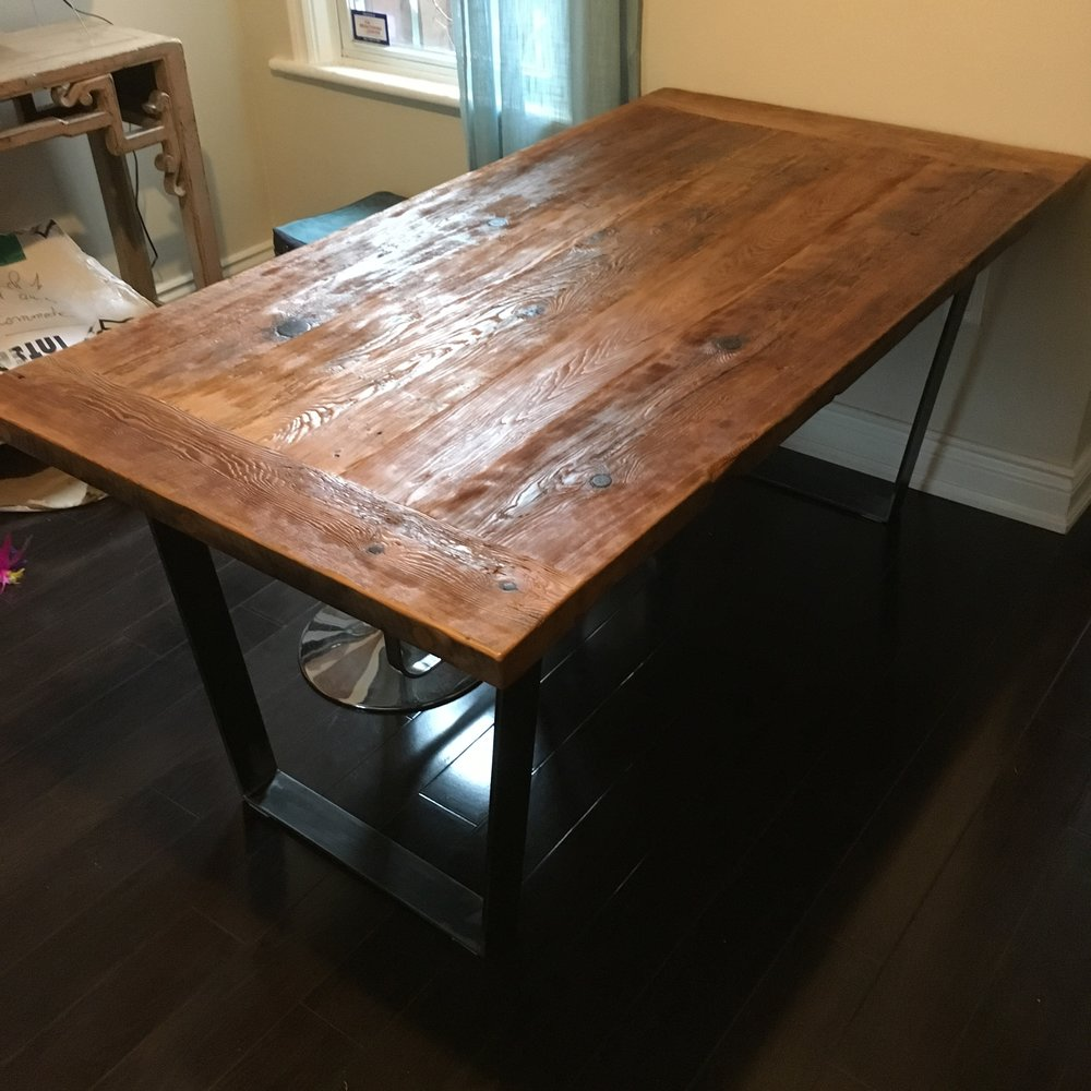Reclaimed hemlock top with trapezoid base