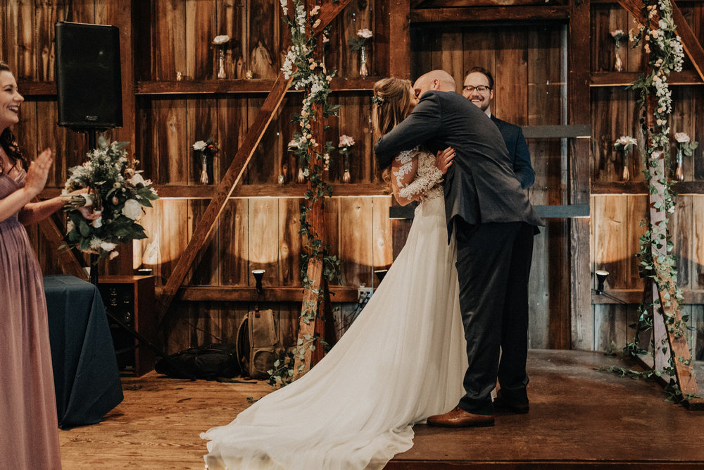 KyleWillisPhoto-kyle-willis-photography-rodes-barn-wedding-swedesboro-new-jersey-philadelphia-lillian-west-faux-bouquets-rustic-south-new-york-city