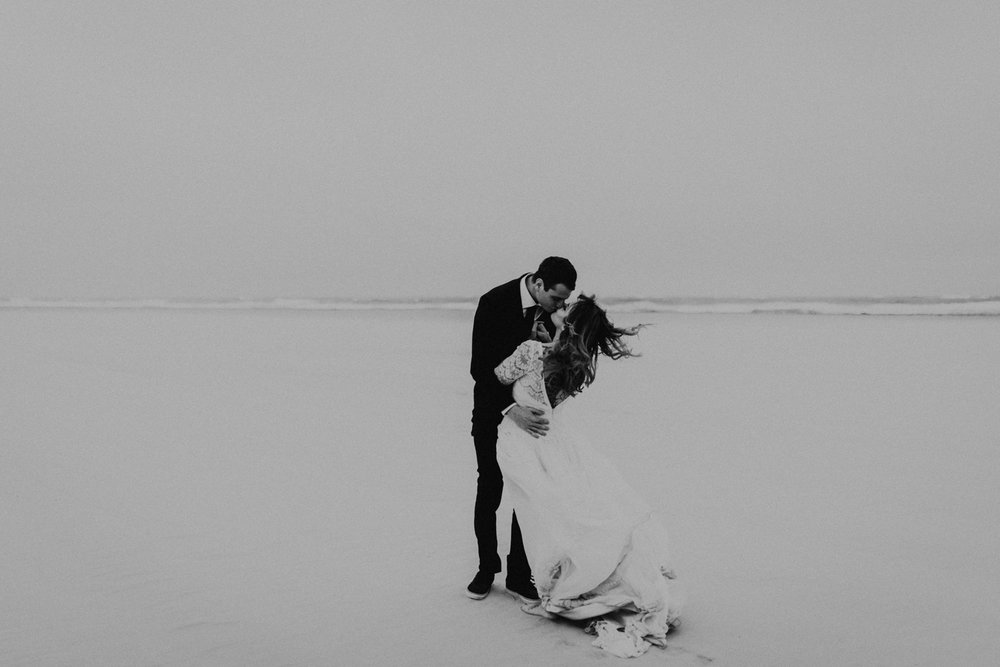 kylewillisphoto_kyle_Willis_Photography_liz_gibbs_brigantine_beach_atlantic_city_wedding_philadelphia_jersey_shore_new_nyc_engagement_delaware_engaged_married_rainy_photos_ac_boho6.jpg