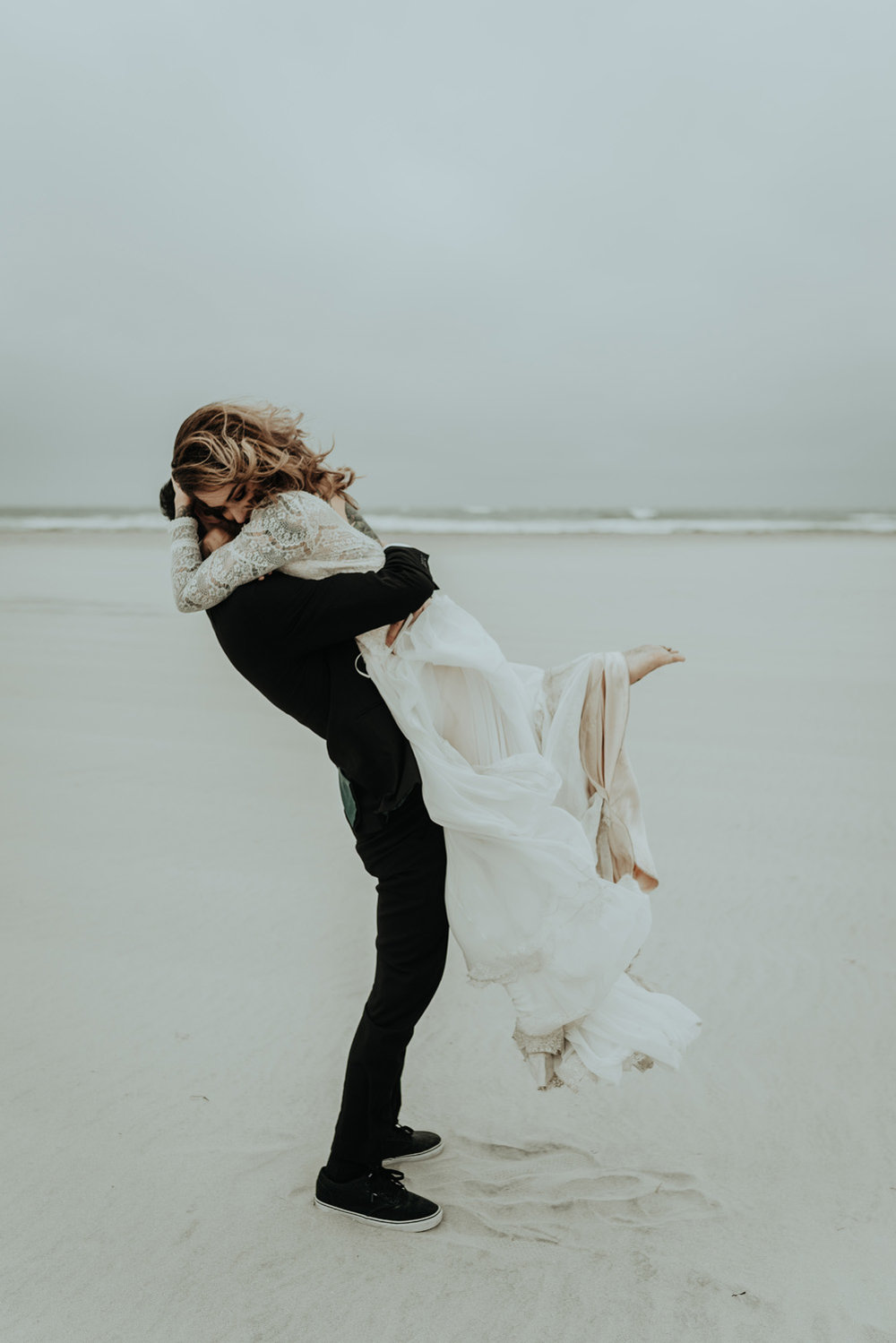 kylewillisphoto_kyle_Willis_Photography_liz_gibbs_brigantine_beach_atlantic_city_wedding_philadelphia_jersey_shore_new_nyc_engagement_delaware_engaged_married_rainy_photos_ac_boho12.jpg