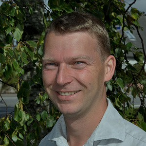 Torben Stenstrup er forfatter, og har skrevet bøger om fundraising, foreningsledelse og partnerskaber