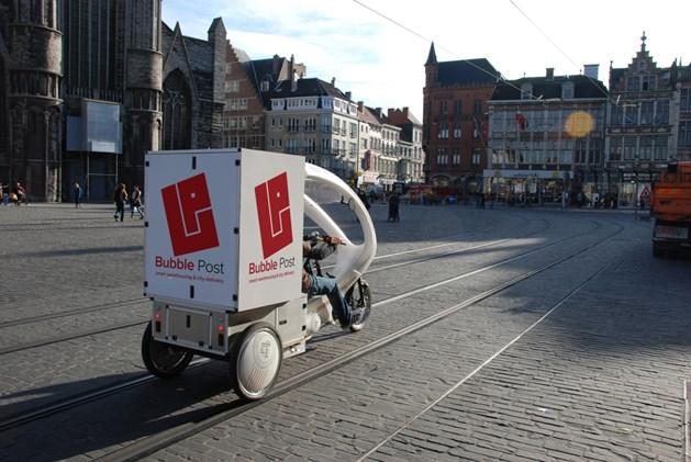 Binnenkort rijden de riksja's van Bubble Post ook in Kortrijk rond.