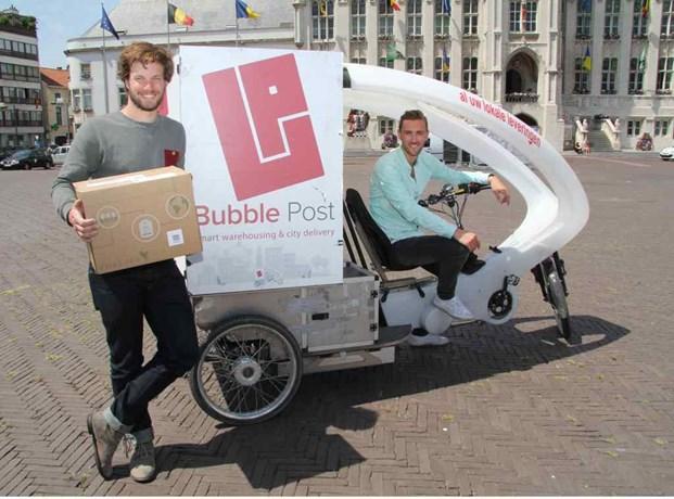 Bubble Post-CEO Benjamin Rieder en Yan Ketelers, verantwoordelijk voor Bubble Post Sint-Niklaas.