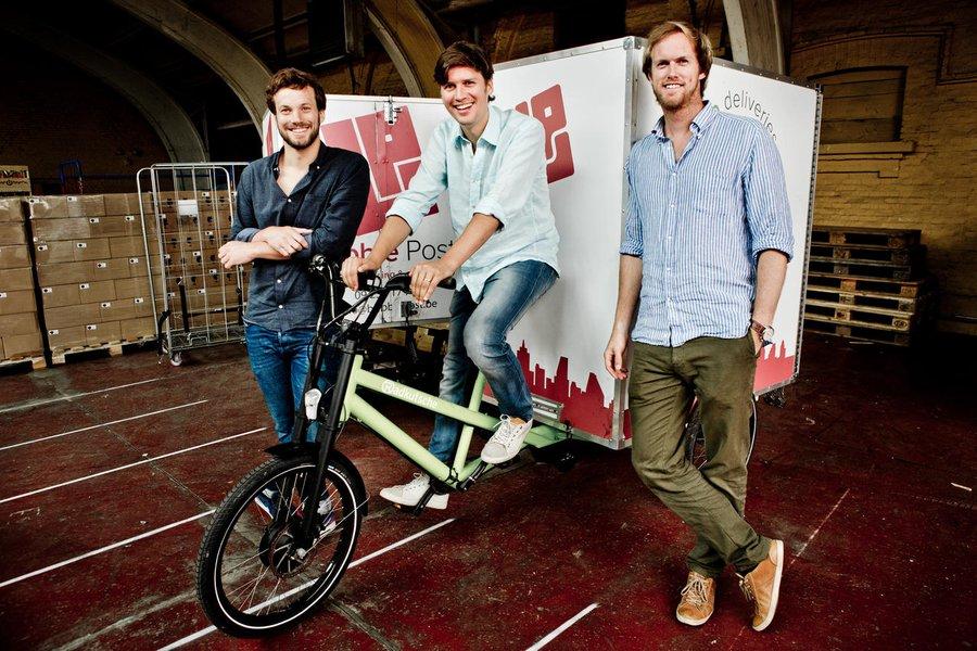 Het koerierbedrijf van Benjamin Rieder, Michel De Waele en Anthony Viaene (vlnr.) is drie jaar na de start klaar voor Europese expansie. © Emy Elleboog